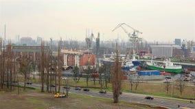 Industriegebiet der Werft in Gdansk stock video