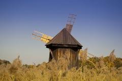Industriel traditionnel en bois de moulin à vent Photo stock