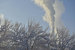 Industrielandschaft im Winter Stockbilder