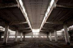 Industriell byggnadsinterior Arkivfoto