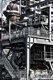 Industriell geometrisk konstruktion i den gamla fabriken Arkivbilder