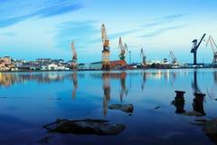 Industriell hamnstad av antander Arkivbild