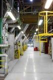 Industriell inre av en generisk kraftverk Arkivfoto