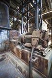 Industriell konstruktion och maskiner i den gamla fabriken, Tyskland Royaltyfri Fotografi