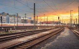 industriell liggande Järnvägsstation i Nuremberg, Tyskland Rai royaltyfri foto