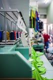 industriell maskinsömnad Royaltyfri Bild
