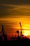 industriell over solnedgång för hamn Royaltyfri Foto