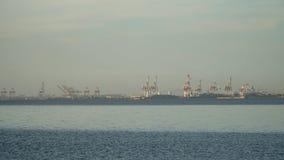 Industriell port för last manila philippines royaltyfri fotografi