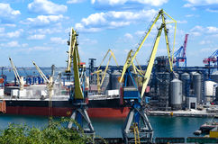 Industriell port med behållare Royaltyfri Foto