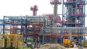 Industriell raffinaderiinstallation Arkivbild