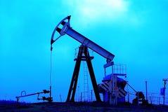 industriell stålaroljepump fotografering för bildbyråer