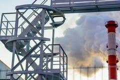 Industriell trappa för metall utomhus royaltyfria foton