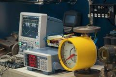 Industriell utrustning - oscilloskop och elektronisk apparatur Arkivfoto