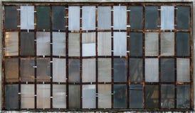 Industriella fönster som texturer royaltyfri bild