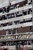 industriella gammala fönster för broken byggnad Royaltyfri Bild