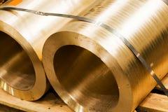 Industriella härdade stålcylindrar i seminarium Bransch Arkivfoton