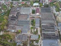 Industriella lättheter i östlig sida av den Ploiesti staden, Rumänien arkivbild