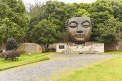 Industriella Nanjing parkerar statyn för 1865 brons Royaltyfri Fotografi