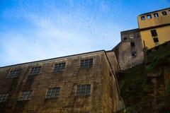 Industriella och övergav byggnader i villan Nova de Gaia, Porto Royaltyfri Fotografi