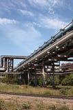 industriella pipelines för gasvärme Arkivfoto