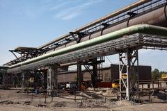 industriella pipelines för gasvärme Arkivfoton