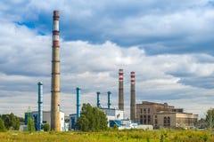 Industriella rör, fabriker och fabriker industriell bild Arkivfoto