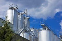 industriella silos Arkivbild