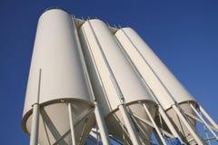 industriella silos arkivfoto