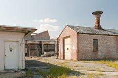 industriella övergivna byggnader Royaltyfri Foto