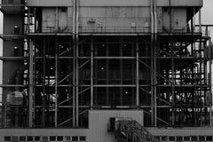 Industrielle Arbeitsstelle in Schwarzweiss Stockbild