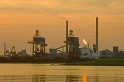 Industrielle Dämmerung Lizenzfreies Stockfoto