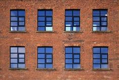 Industrielle Fabrik Windows Stockbilder