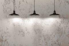 Industrielle hängende Lampen Stockfotografie