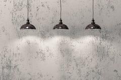 Industrielle hängende Lampen Lizenzfreie Stockfotos