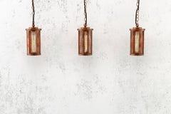 Industrielle hängende Lampen der Dachbodenart Lizenzfreies Stockfoto