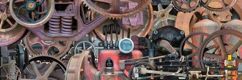 Industrielle mechanische Maschine zerteilt Fahne stockfotografie