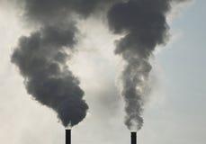 Industrielle Rauch-Stapel Stockbild