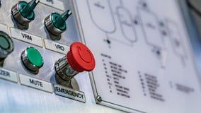 Industrielle Robotermaschinerie in der Herstellungs-Linie lizenzfreie stockfotos