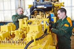 Industrielle Versammlungsteilnehmerarbeitskraft Lizenzfreies Stockfoto