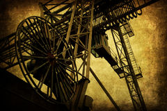 Industrieller Aufzug mit antiker Schmutzbeschaffenheit Lizenzfreies Stockfoto