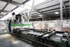 Industrieller Innenraum eines hölzernen Lagers lizenzfreies stockfoto