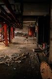 Industrieller Innenraum mit Stuhl Lizenzfreie Stockfotos