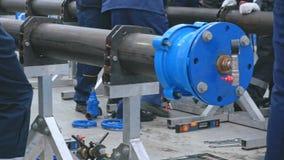 Industrieller metallischer Bau des Wasserversorgungssystems stock video