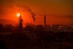 Industrieller Sonnenaufgang Lizenzfreies Stockfoto