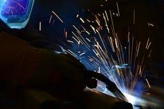 Industrieller Stahlschweißer in der Fabrik technisch, Lizenzfreie Stockfotografie