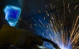 Industrieller Stahlschweißer in der Fabrik technisch, Stockbild