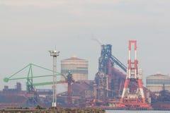 Industrieller Szenenhintergrund Landschaft der Industrie am Hafen Stockbilder