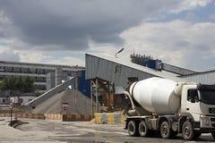 Industrieller Zement-Verarbeitungsanlage lizenzfreies stockbild