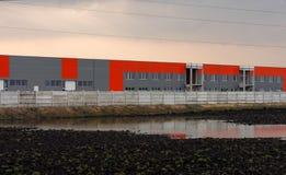 Industrielles landsape mit Flut Stockfoto
