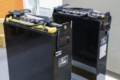 Industriellt batteri för gaffeltruck arkivfoton
